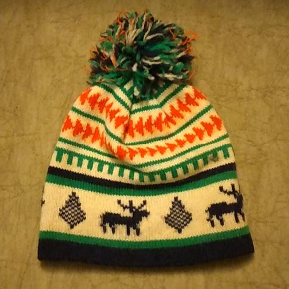 Reindeer pom pom snow hat